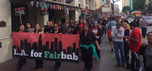 Hundreds of people marched downtown LA to protest Airbnb's policies/Photo: Rita Guerra