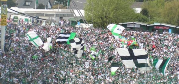 Hertha vs Monchengladbach [image: upload.wikimedia.org]
