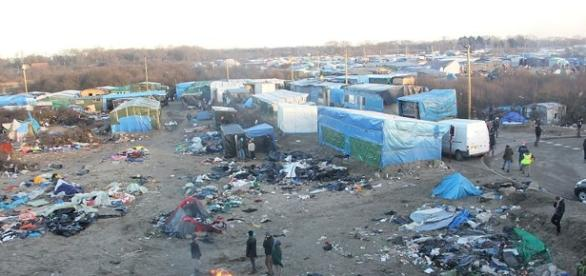 "Photo of the ""Jungle"" refugee camp in Calais"