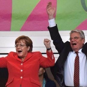 So feiert Deutschland die Ankündigung der erneuten Kanzlerkanditatur!
