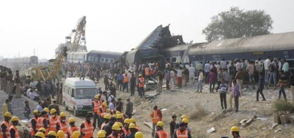 Indore-Patna Express accident in India: (Blasting News library)