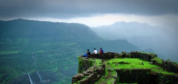 Treks In India A Must Go Before You Get Married - GossipKatta...- gossipkatta.com