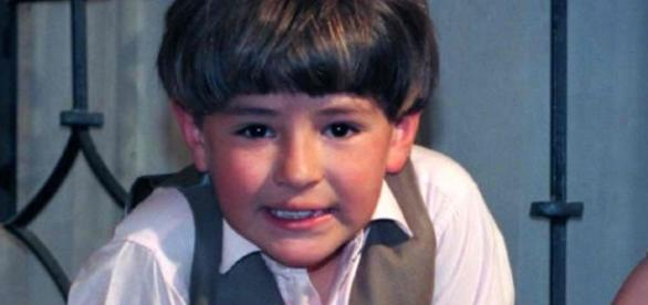 Paulinho, filho da Paola Bracho.