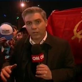 Anti-Trump-Proteste mit der Fahne der Sowjetunion.