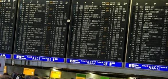 Terrorismo, schedati tutti i passeggeri dei voli in Europa - today.it