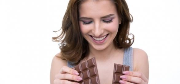 Chocolate promete dar fim a cólicas menstruais.