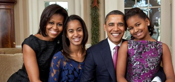 President Obama and family - Photo: Blasting News Library - wikipedia.org