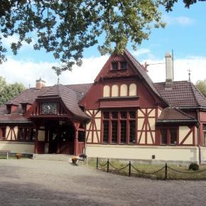 Der Kaiserpavillon des Kaiserbahnhofs nahe Joachimsthal am Werbellinsee