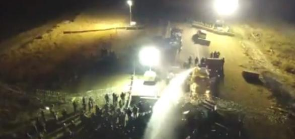 Hundreds of Dakota Access Pipeline protesters injured by police ... - inhabitat.com