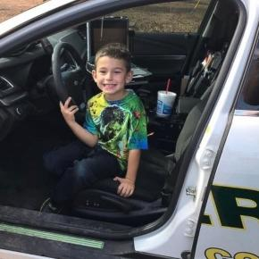 Florida Boy Calls 911 to Invite Police Officers to Thanksgiving - Photo: Blasting News Library - go.com