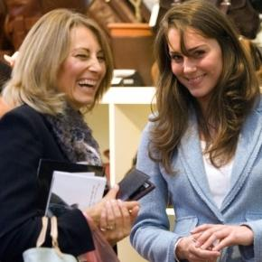 Kate Middleton and her mom make life so normal! Photo: Blasting News Library - eonline.com