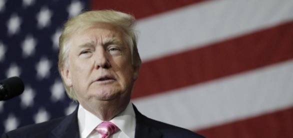 New York Times says Donald Trump's 1995 tax records claim $916 ... - bostonglobe.com