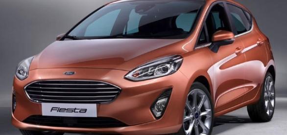 Oitava geração do Ford New Fiesta tem linha mais arredondas e frente que muda de acordo com a versão