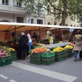 Auf dem Berliner Kollwitzmarkt