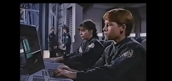 Ich też wyrzucą wkrótce na śmietnik? YouTube video: Earth Star Voyager Full SCI FI movie from 1988