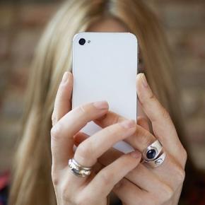 Le selfie, cause de l'augmentation des opérations de chirurgie ... - terrafemina.com