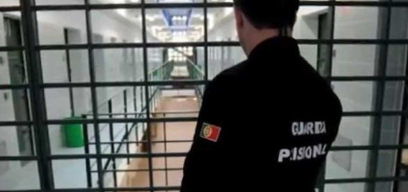 Entre os detidos pela PJ encontra-se um chefe do Corpo da Guarda Prisional