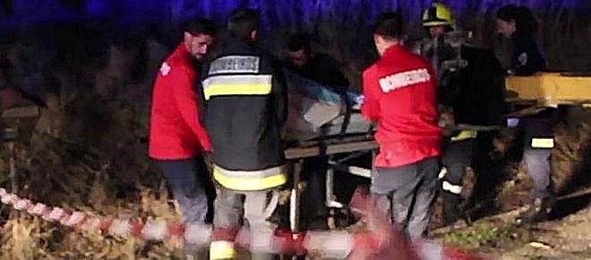Um morto e 9 feridos em colisão entre camião e comboio