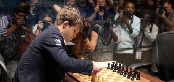 Magnus Carlsen a dat marea lovituta