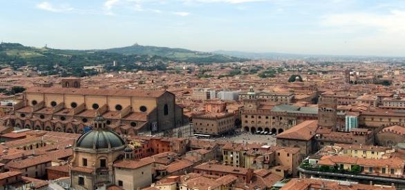 Bologna: il regalo del sindaco all'arcivescovo
