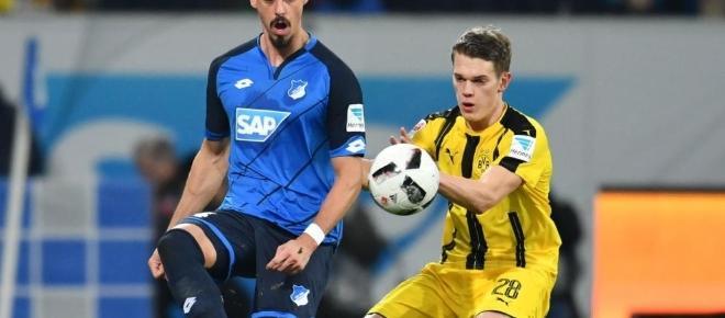 Dortmund erkämpft sich Punkt in Unterzahl