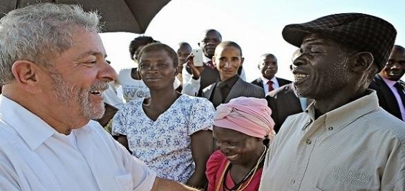 O petista Luiz Inácio Lula da Silva esteve em Angola nos anos de 2011 e 2014, com o presidente da Odebrecht