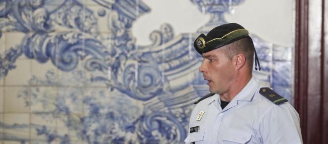 Após 240 dias de suspensão, o militar Hugo Ernano regressa ao trabalho