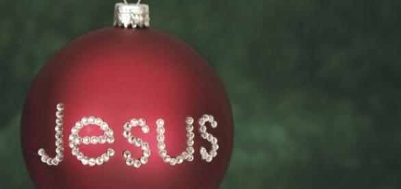 The media has been trying to erase Christ from Christmas for years. Image from praisevocals.com