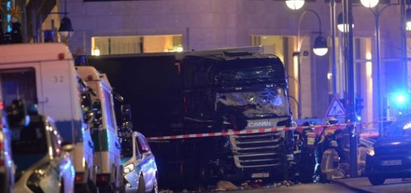 Anschlag Breitscheidplatz in Berlin am Ku-Damm: Lastwagen rast ... - hna.de