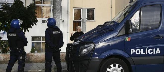 Alegado assaltante baleado pela PSP após ter apedrejado agentes