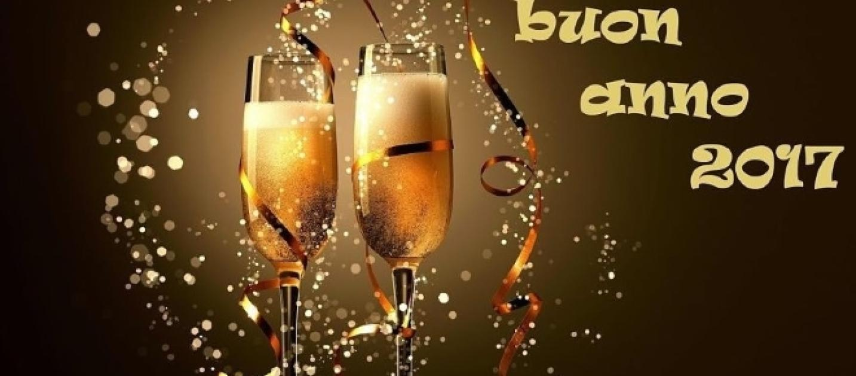 Frasi auguri buon anno tante e bellissime per i vostri for Messaggi divertenti di buon anno