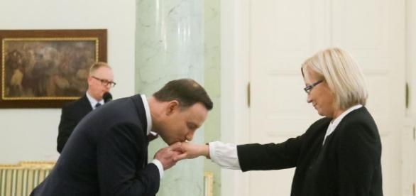 Prezes, która w środowisku nie budzi zaufania (foto: dziennik.pl)