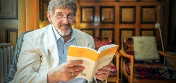 Dr. Dr. Walter von Lucadou. Deutschlands Geisterjäger. [Photo: blastingnews picture archive]