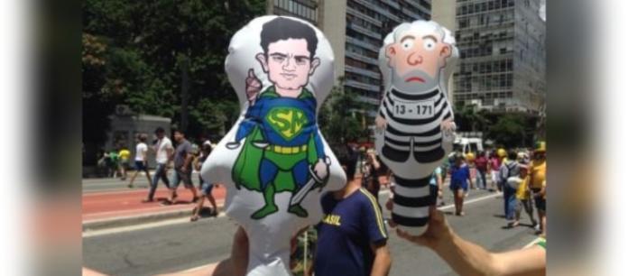 Resultado de imagem para boneco inflável SERGIO MORO