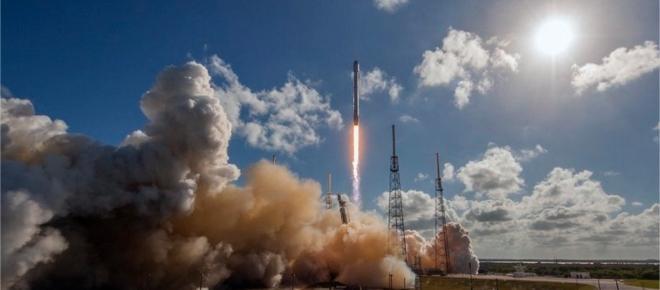 SpaceX lancera une nouvelle fusée en décembre