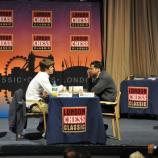 Magnus Carlsen (links) und Vishy Anand beim London Chess Classic 2010