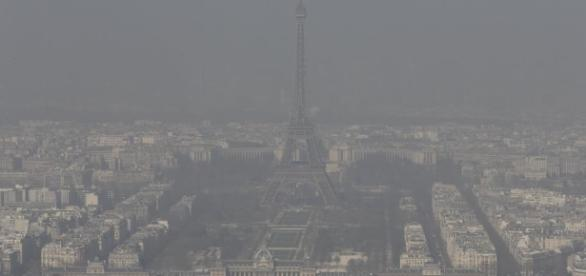 Alerte maximale à la pollution aux particules fines en France ... - rfi.fr
