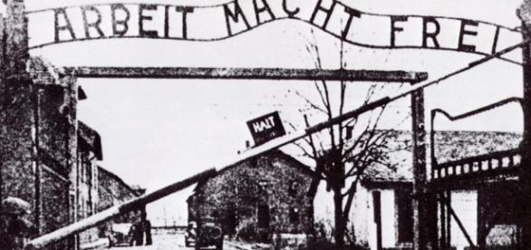 A început procesul unui fost gardian la Auschwitz