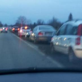 Gaffer auf der Staatsstraße Kolbermoor-Bad Aibling