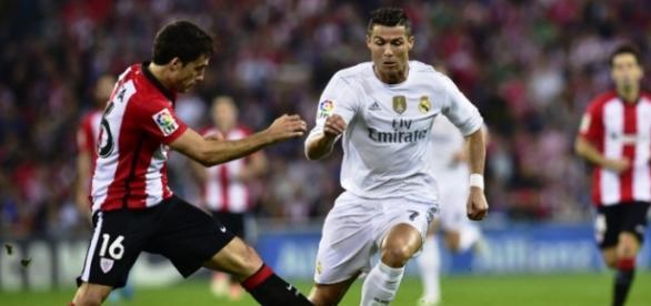 Ronaldo em ação frente ao Atlético Bilbau