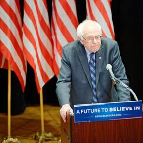 Bernie Sanders at a campaign event. (CC BY-SA 2.0)