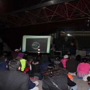 """Conferencia """"La Luna"""". Foto: Zoé Navarrete."""