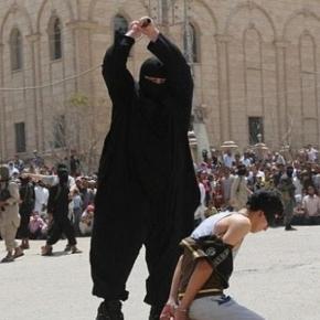 Călăul islamist poreclit Buldozerul în acţiune