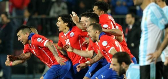 Chile celebra el penalti final de Copa América