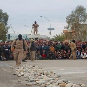 Fetele au fost ucise de jihadiști cu pietre