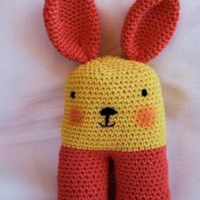Angel Amigurumi Paso A Paso : Simpatico conejito sonajero a crochet con tecnica amigurumi