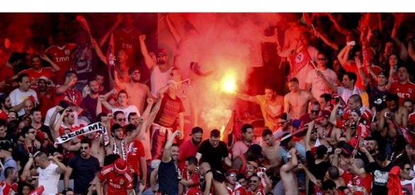 Benfica lamenta excessos dos seus adeptos