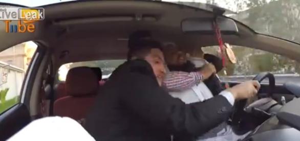 Udany prank z taksówkarzem terrorystą.