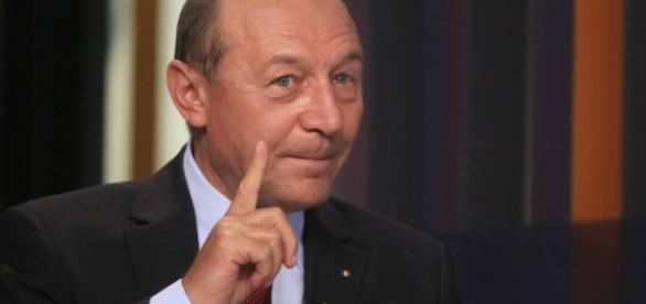 Trăian Băsescu susține că România este o țintă