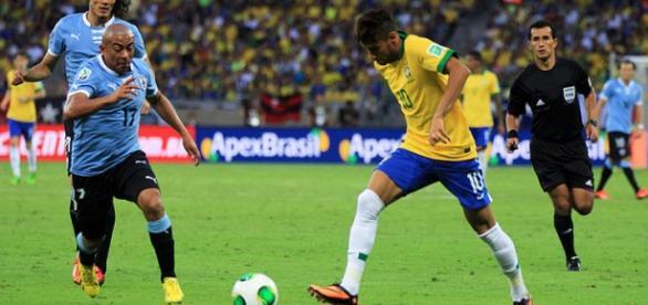 Brasil e Uruguai defrontam-se no Arena Pernambuco